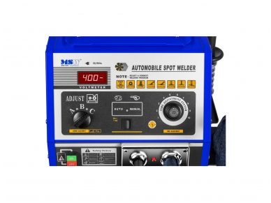 Spoteris su darbo stalu 4200A (taškinio-kontaktinio suvirinimo mašina) 4
